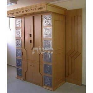 ארון קודש בבית הכנסת ארץ הצבי, גילה, ירושלים