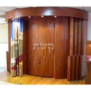 ארון קודש בבית הכנסת מזמור לאסף, עפרה
