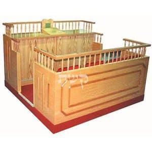 בימה ותיבה בבית הכנסת באשדוד- קשת רהיטי עץ ומתכת