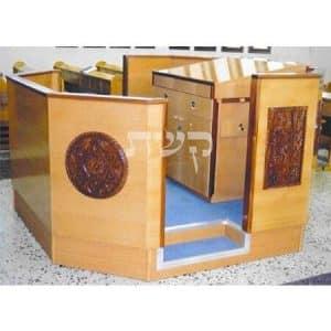 בימה ותיבה בבית הכנסת מצדה, בני ברק- קשת רהיטים